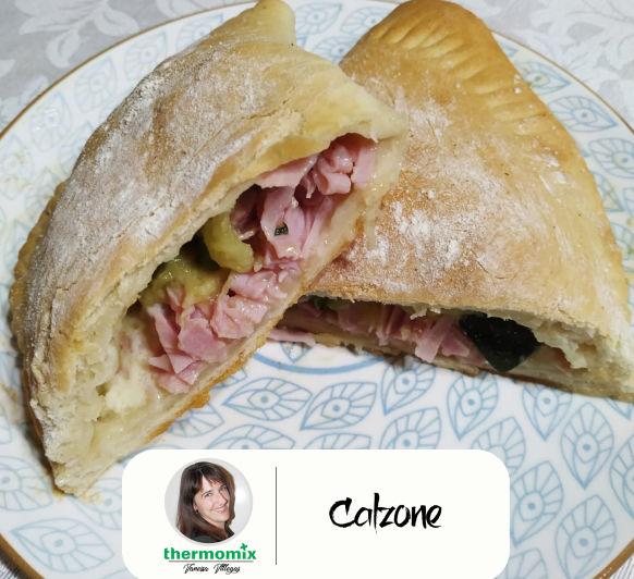 Receta Thermomix® - Calzone con calabacín, queso y jamón