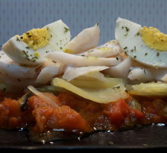 Menú completo pisto con lubina patatas y huevos